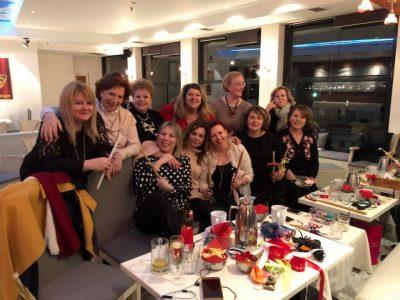 Βραδιά Χαράς ετοιμάζοντας τις Πασχαλινές μας Λαμπάδες αφιερωμένες και φέτος στο Παιδογκολογικό του Ιπποκρατείου.