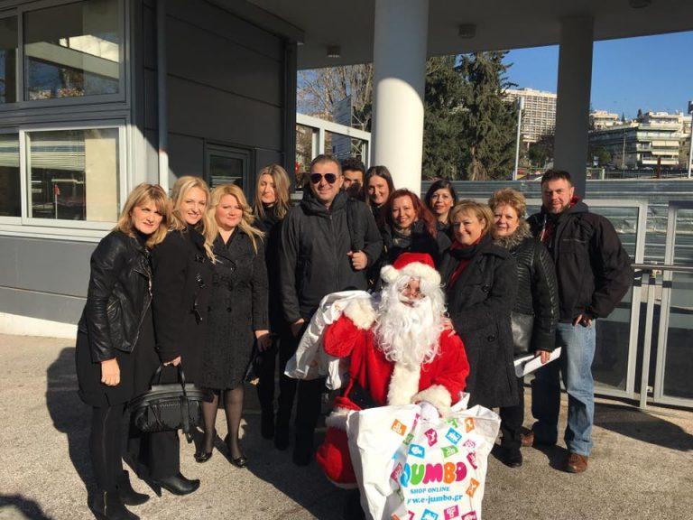 Ευχές και δώρα με τον Αντώνη Ρέμο για τα παιδιά της Παιδογκολογικής κλινικής του Νοσοκομείου Α.Χ.Ε.Π.Α